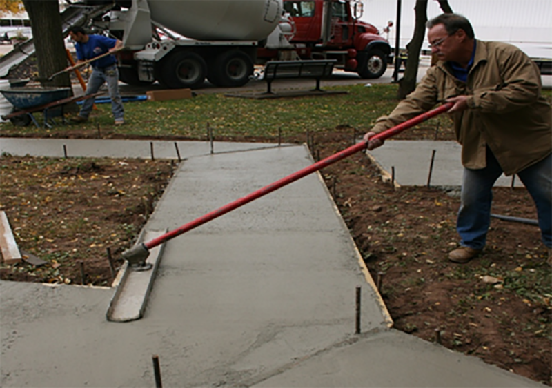 case study cement lock poured concrete sidewalk // cs_cement-lock-poured-concrete-sidewalk.png (726 K)